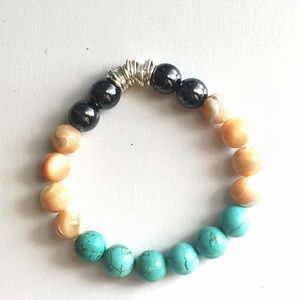 Handmade Turquoise Mother of Pearl Stretchbracelet